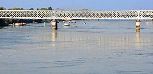 Uma Ponte Sobre Botes Imagem de Stock - Imagem: 19802631