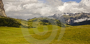 Panoramic View Of The Valley Royalty Free Stock Images - Image: 19871349