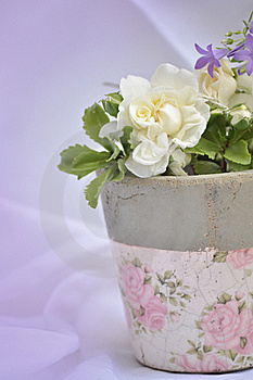 Retro Flower Pot Royalty Free Stock Images - Image: 19901919