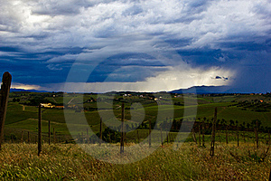 Orage En Avant Photographie stock libre de droits - Image: 19996617