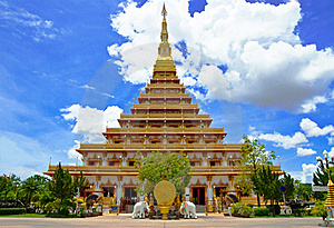 Golden Pagoda At The Temple Stock Image - Image: 19997851