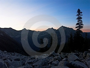 Ανατολή στο βουνό της Αλάσκας Στοκ Φωτογραφίες