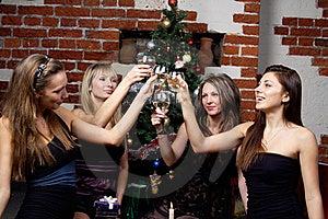 Gruppe Gilrs Feierte Weihnachten Lizenzfreies Stockfoto - Bild: 20010925