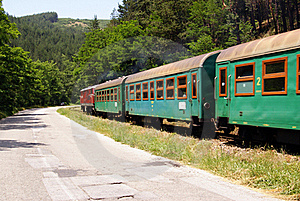 Curved Green Train Royalty Free Stock Images - Image: 20070329