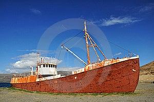 Wreck Of Fishing Boat, Iceland Stock Images - Image: 20150784
