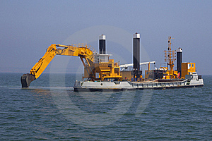 Excavators Set Out To Sea Royalty Free Stock Images - Image: 20250919