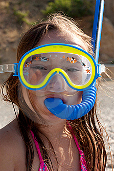 Little Girl With Mask And  Snorkel For Diving Royalty Free Stock Photo - Image: 20295745