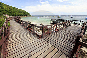 Wooden Bridge On Turquoise Seascape Royalty Free Stock Images - Image: 20305959