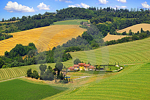 Picturesque Tuscany Landscape With House. Royalty Free Stock Photos - Image: 20318108