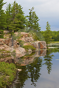 Alpine Lake In The Park Stock Images - Image: 20332964