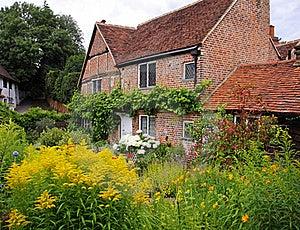 Cottage e giardino inglesi tradizionali del villaggio for Planimetrie inglesi del cottage
