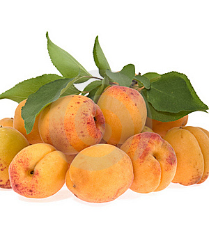 Apricots Lie A Heap Royalty Free Stock Photo - Image: 20353395