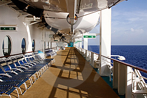Caribbean Cruise - Early Morning Empty Deck Stock Photos - Image: 20357003