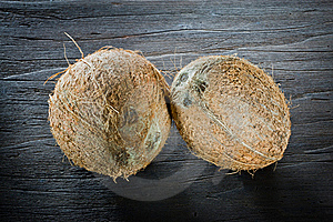 ,coconut On Wood, Royalty Free Stock Images - Image: 20370819