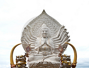 Guan Yin Buddha Statue Royalty Free Stock Image - Image: 20379886
