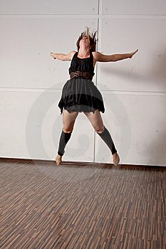 Dancer Jumping During A Dance Royalty Free Stock Images - Image: 20400939