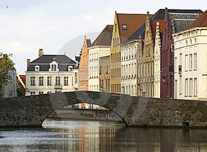 Typical Houses And Canal Of Bruges Royalty Free Stock Photo - Image: 20437255