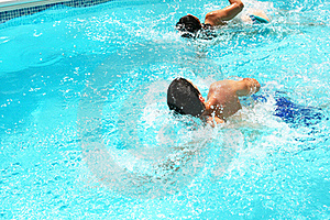 Couple In Swimming Pool Royalty Free Stock Image - Image: 20439256