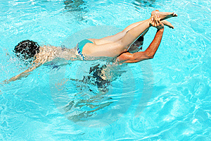 Couple In Swimming Pool Royalty Free Stock Photos - Image: 20441048