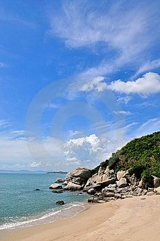 Céu E Nuvem Pela Costa De Mar Fotografia de Stock Royalty Free - Imagem: 20467317