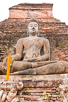 Buddha Statue In Front Of Pagoda Vertical Stock Photo - Image: 20480610
