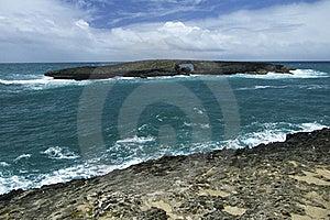 Il Foro Nella Roccia Fotografie Stock - Immagine: 20497473