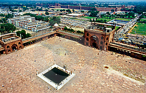 Famous Red Fort In Delhi Royalty Free Stock Images - Image: 20498589