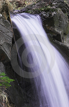 Speedy Waterfall Royalty Free Stock Images - Image: 2057869