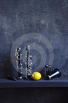 Black Still-life With Lemon Royalty Free Stock Images - Image: 20527099