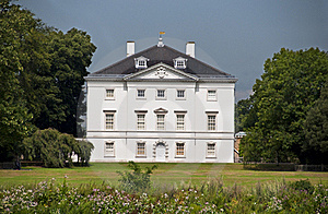 White House In A Park Stock Photo - Image: 20584120
