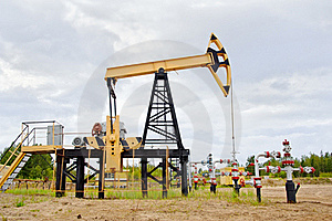 Pump Jack And Oil Well. Stock Photos - Image: 20592763