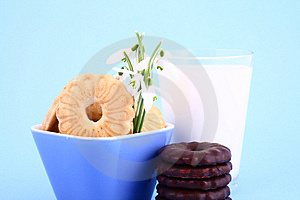 Cookie Nad Milk Stock Image - Image: 2068721