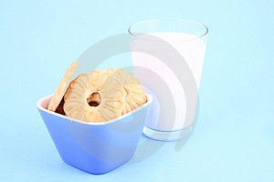Cookie Nad Milk Stock Images - Image: 2068794