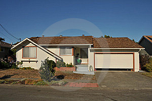 Single Family House One Story With Driveway Royalty Free Stock Photography - Image: 20631557