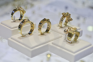 Five Golden Rings Royalty Free Stock Photo - Image: 20666065