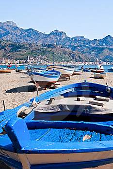 Boats On Beach In Summer Day, Sicily Stock Photo - Image: 20713650