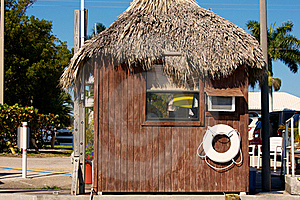 Wooden Hut With Grass Roof In Florida Royalty Free Stock Images - Image: 20745339