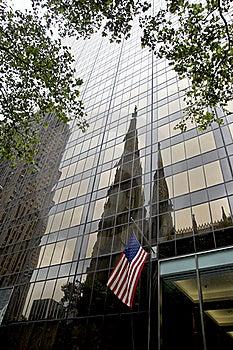 Olympischer Kontrollturm Und Kathedrale Str.-Patricks - NYC Lizenzfreies Stockbild - Bild: 20804236