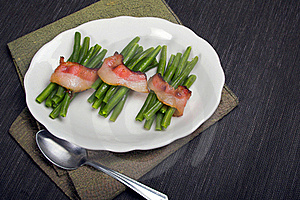 Green Beans Wrapped In Bacon Royalty Free Stock Photos - Image: 20970068