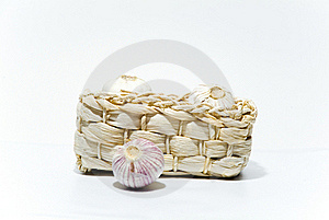 Garlic In A Basket Royalty Free Stock Photos - Image: 20989768