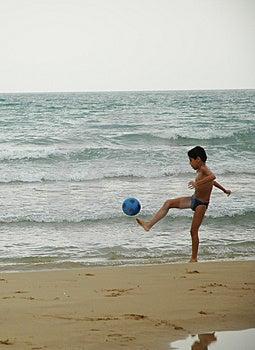 Boy Ball Beach3 Free Stock Image