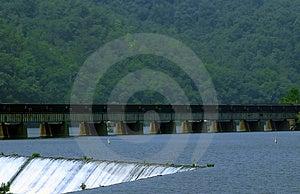 Caídas de la energía hidraúlica Fotos de archivo libres de regalías