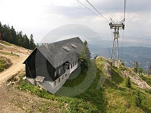 Choza en montañas Fotos de archivo libres de regalías