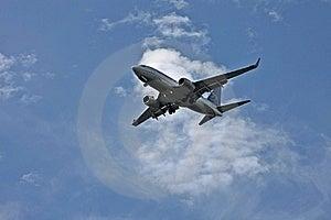 Um Avião Que Prepara-se Para Aterrar Imagem de Stock - Imagem: 21023761