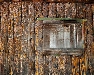 Window Of A Boarded Up Log Cabin Stock Photo - Image: 21026370