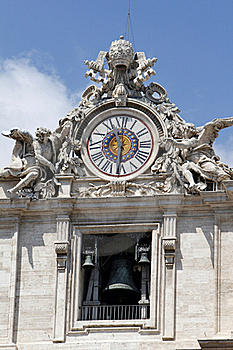 The Clock Of St Peters Basilica, The Vatican Stock Photo - Image: 21047250