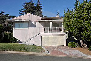 Single Family House One Story With Driveway Stock Photos - Image: 21060923