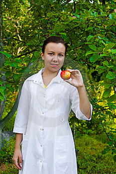 Doctor With Apple Royalty Free Stock Images - Image: 21174899