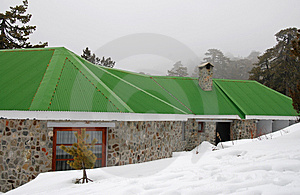 House Coverd In Snow Royalty Free Stock Image - Image: 2124716