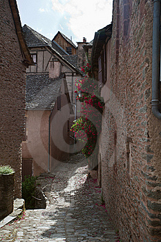 French Alley Royalty Free Stock Image - Image: 21249336